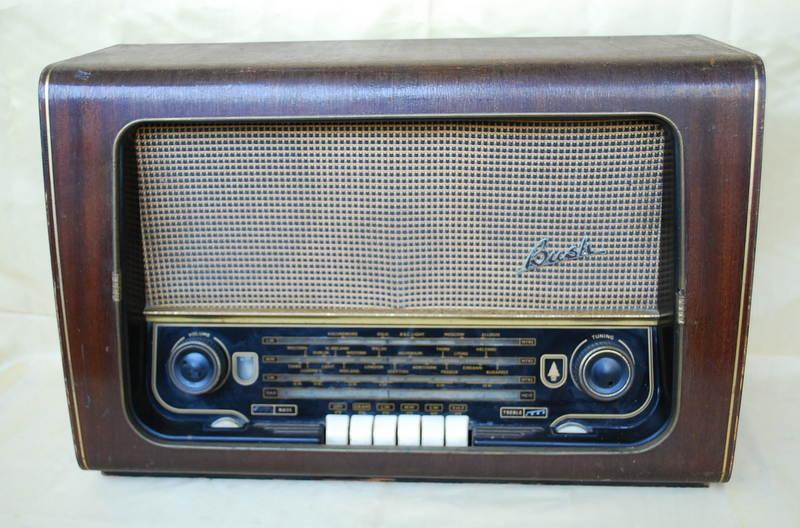 Bush VHF64